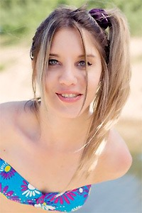 Chat live with LovelyPixy right now!